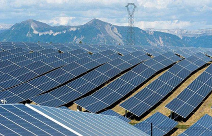 光伏逆变器在大型工商业屋顶电站/地面电站的应用